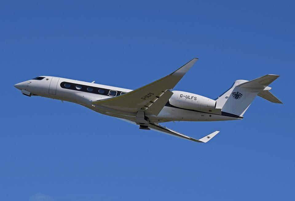 airplane-620449_960_720
