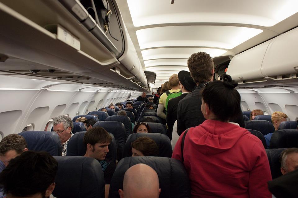 plane-691084_960_720